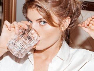 """Bạn có từng """"lầm tưởng"""" về nước súc miệng trị hôi miệng không?"""