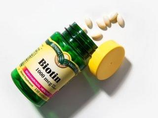 Ngoài trừ gội đầu, có cách nào để cung cấp biotin cho cơ thể hay không?