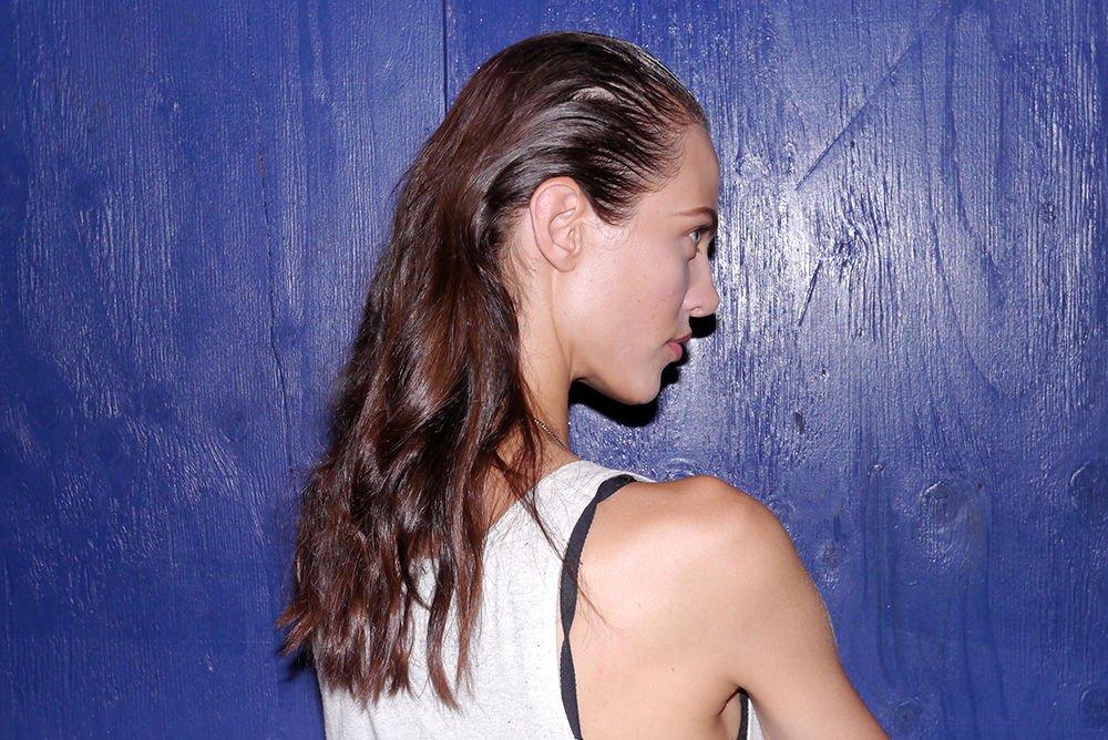 Dầu xả liệu có cần thiết với cô nàng da đầu nhờn?