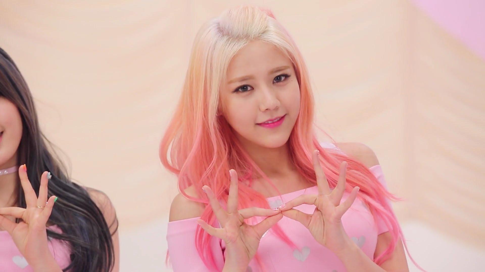 nhuộm tóc hồng