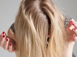 Cách nhận biết bạn thuộc loại tóc nào: Tóc dầu, khô hay thường?