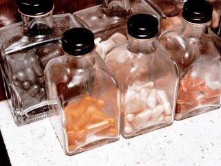 Nên uống collagen nước hay viên? Cùng tìm hiểu ngay sau đây nào!