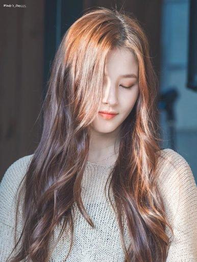 màu tóc nâu hạt dẻ