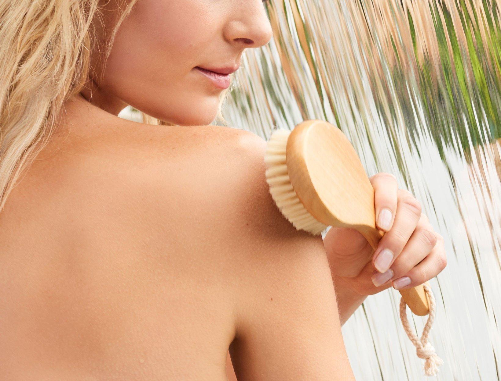Có phải ai cũng có thể thực hiện phương pháp chải da khô?