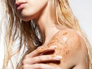 Tẩy tế bào chết toàn thân nằm ở bước nào trong quy trình chăm sóc da hàng ngày?