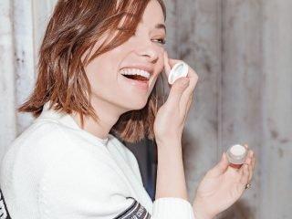 4 lỗi tưởng không hại mà hại không tưởng khi chăm sóc vùng da quanh mắt