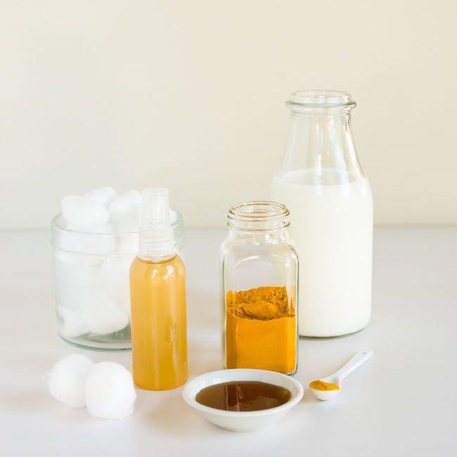 3 Cách làm kem nghệ trắng da ngừa mụn DIY cực đơn giản nhưng hiệu quả không thể xem thường