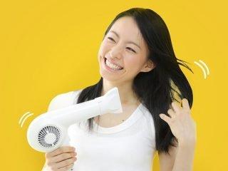 """5 phút tạo kiểu mỗi sáng cho mái tóc xoăn sóng """"bền bỉ cả ngày"""""""