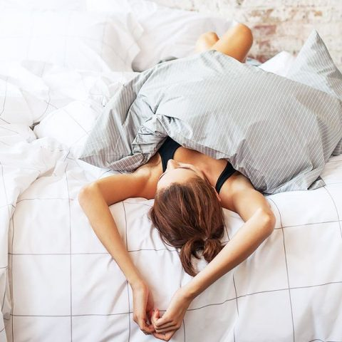 9 cách giữ nếp tóc uốn cúp khi ngủ cực hiệu quả mà có thể bạn muốn biết