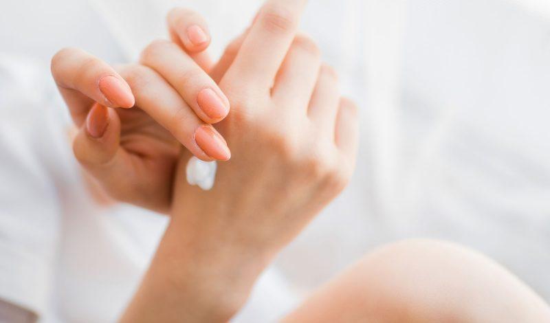 6 Cách trị khô da tay chân nứt nẻ như da rắn từ thiên nhiên hiệu quả & Nguyên nhân không ngờ đến!