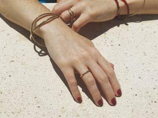 3 Cách trị khô da tay chân từ thiên nhiên cực hiệu quả & dễ thao tác