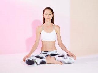 4 Tư thế yoga giúp tránh thoát vị đĩa đệm cho dân văn phòng