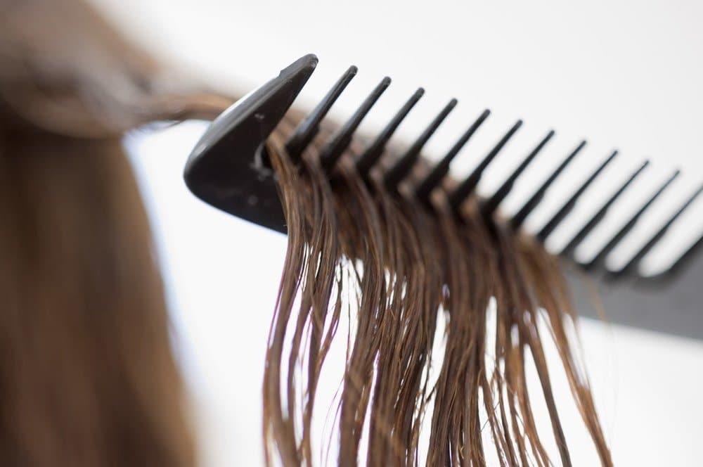 dầu bóng tóc có khả năng giữ nếp tóc