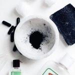 Làm trắng răng bằng than tại nhà liệu có hiệu quả như lời đồn?