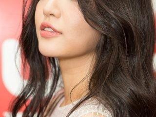 Điểm danh 3 sao Vbiz trông cực lung linh với kiểu tóc xoăn đẹp