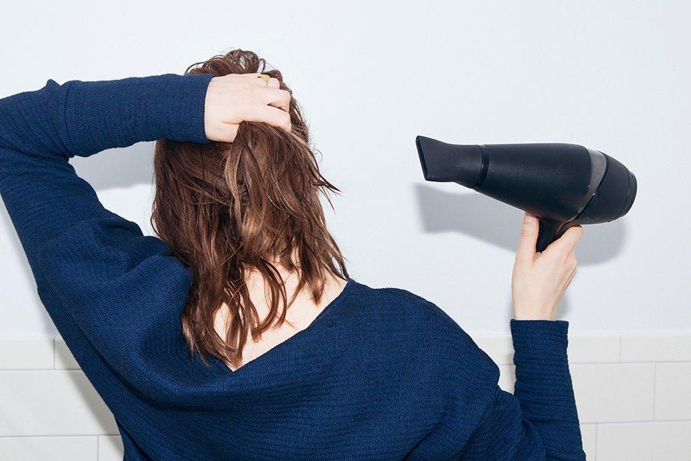 dầu bóng tóc giúp bảo vệ tóc trước nhiệt độ cao
