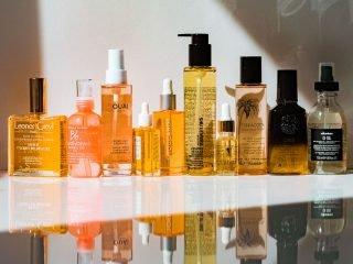 Giống và khác nhau như thế nào giữa tinh dầu dưỡng tóc và serum dưỡng tóc