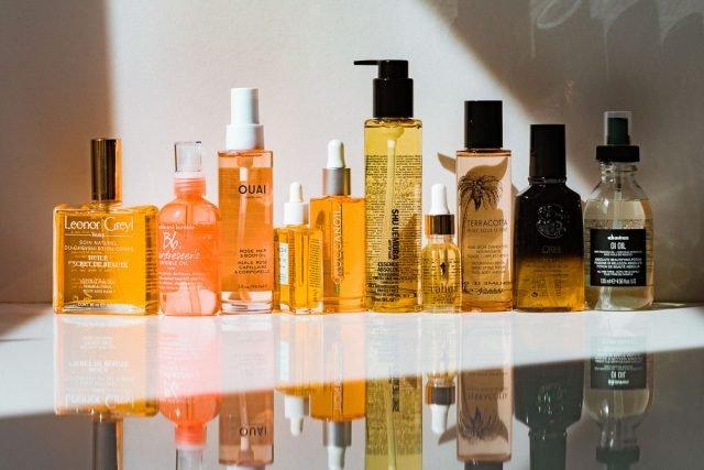 Phân biệt serum & tinh dầu dưỡng tóc, loại nào dưỡng tóc tốt nhất hiện nay?