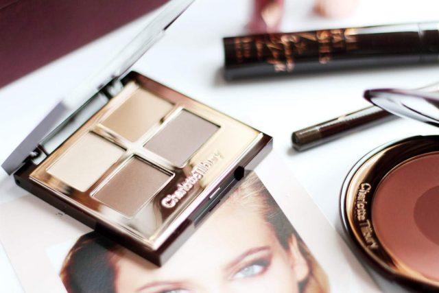 Phấn mắt Charlotte Tilbury Luxury Palette In The Sophisticate