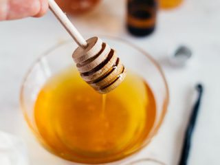 Dùng mật ong làm đẹp, cần lưu ý những điều sau!