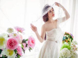 Sự khác nhau giữa phong cách trang điểm cô dâu năm 2000 và bây giờ