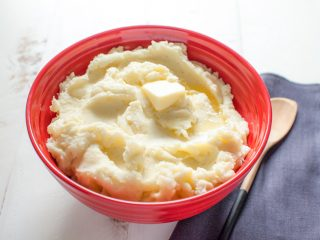3 công thức làm mặt nạ khoai tây sữa tươi cực hiệu quả bạn nên biết!