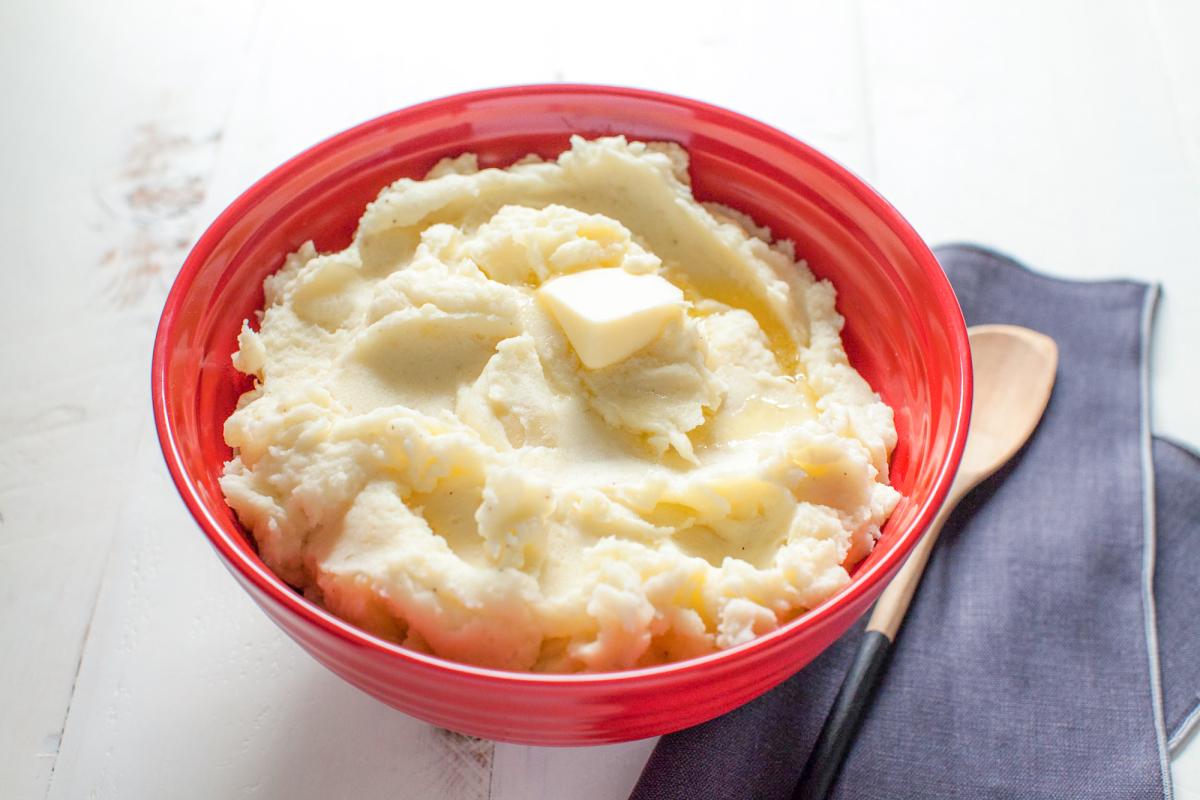 """3 Công thức mặt nạ khoai tây sữa tươi tác dụng làm đẹp da cực """"vi diệu"""" bạn nên biết!"""