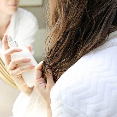 <span class='p-name'>Cách ủ tóc giúp tóc dài nhanh và bóng mượt</span>