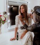 4 kiểu làm tóc đẹp cho buổi chụp hình cưới ngoại cảnh của nàng