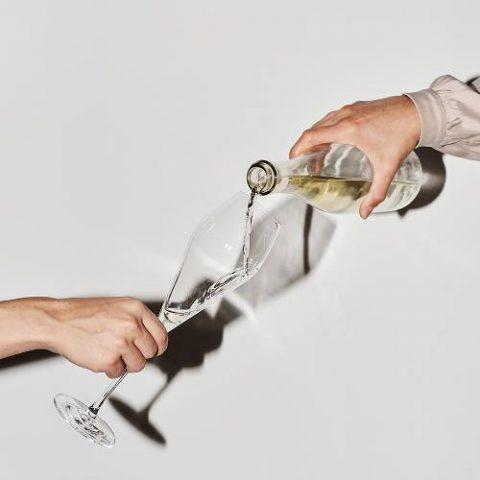 5 bí quyết để thành tâm điểm của bữa tiệc đêm nay