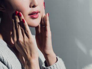 Muốn giữ mãi tuổi thanh xuân cho làn da thì đừng lười massage mặt