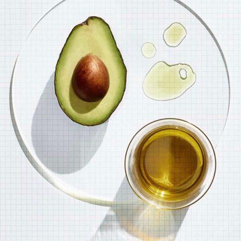 Top 4 tinh dầu thiên nhiên giúp dưỡng da trắng sáng