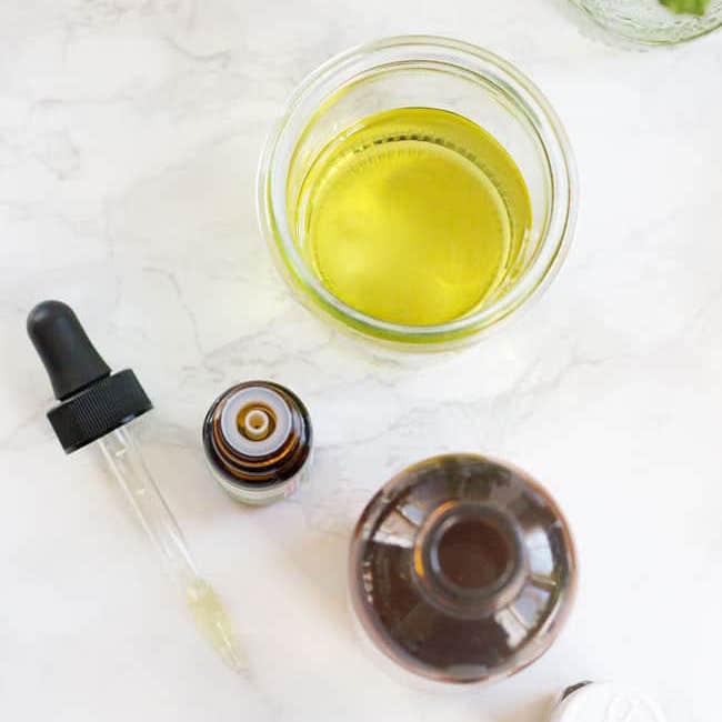 cách dùng dầu dưỡng da