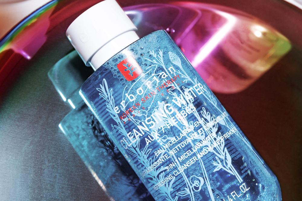 Đều có tác dụng tẩy trang nhưng Cleansing water lại khác Micellar water đấy