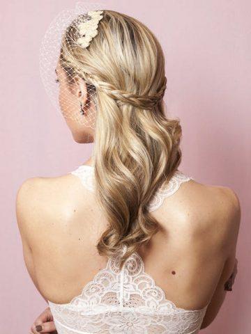 Kiểu tóc cô dâu đẹp 2019 chỉ với 2 chiếc kẹp tăm
