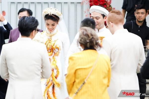 cách trang điểm cô dâu
