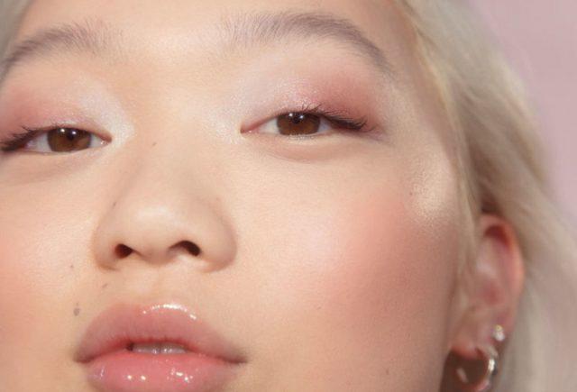 Có cần phải sở hữu một sản phẩm kem mắt tốt?