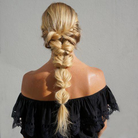Đây là 3 kiểu tóc đi làm dễ ợt cho cô nàng dịu dàng thêm xinh