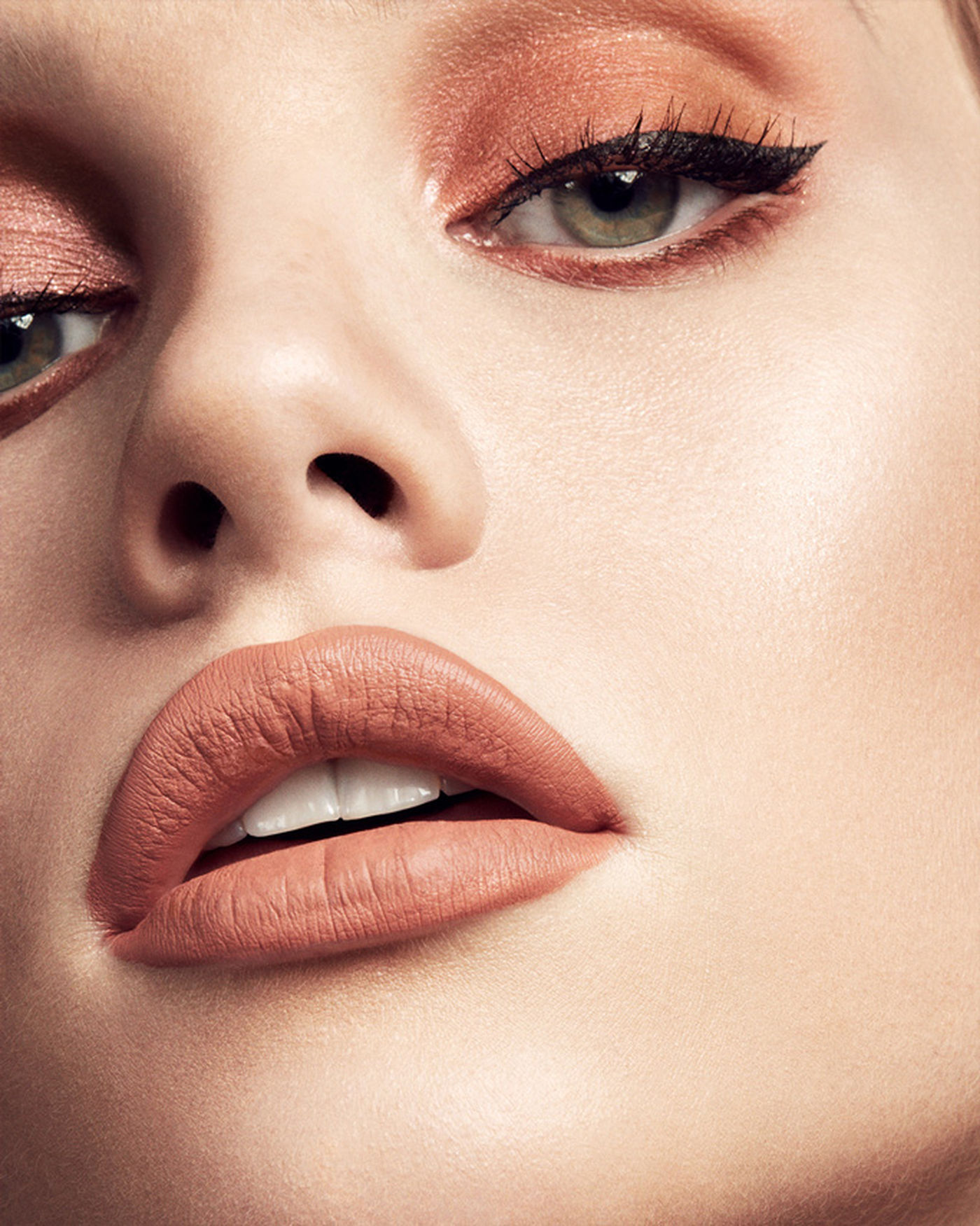 Stunna Lip Paint Longwear Fluid Lip Color - màu Unbutton