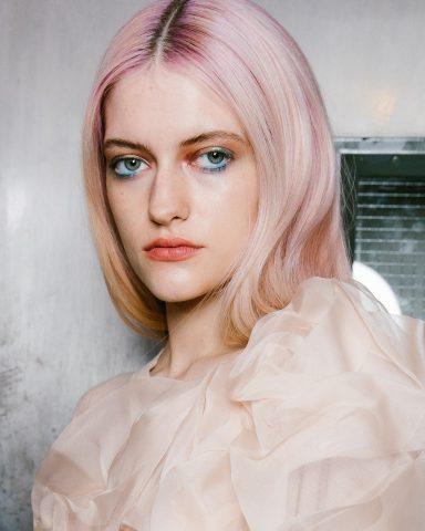 """NÓNG BỎNG TAY: 5 trào lưu làm đẹp """"xông đất"""" New York Fashion Week năm nay"""