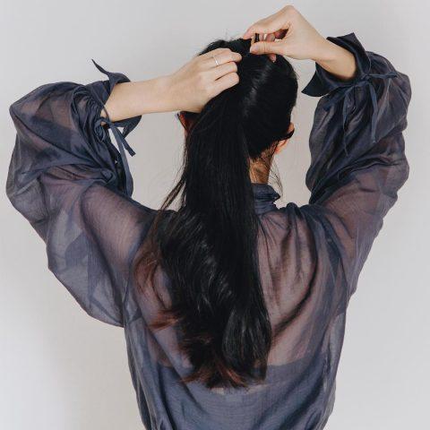 <span class='p-name'>Tạm biệt tóc duỗi với 4 cách làm thẳng tóc tự nhiên sau</span>