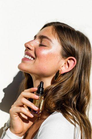 Top xịt dưỡng tóc giúp tóc óng mượt tung tăng chơi Tết