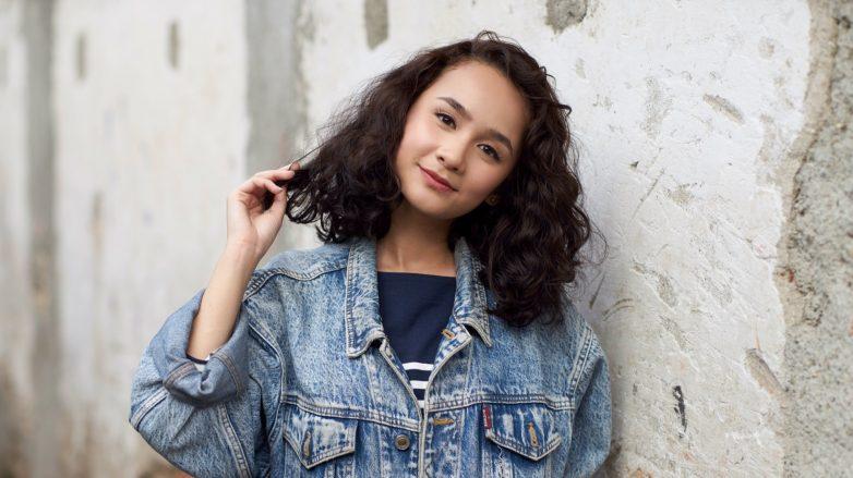 Cách tạo các kiểu tóc uốn đẹp và phương pháp chăm sóc tóc uốn xoăn chuẩn nhất 2021