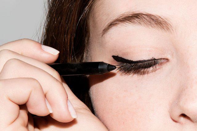 Chưa đến 200 ngàn là bạn đã có được 1 cây eyeliner xịn sò rồi đấy!