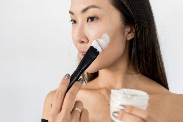 """Bỏ túi ngay 4 cách triệt lông mặt """"ngon-bổ-rẻ"""" tại nhà bạn không nên bỏ lỡ"""