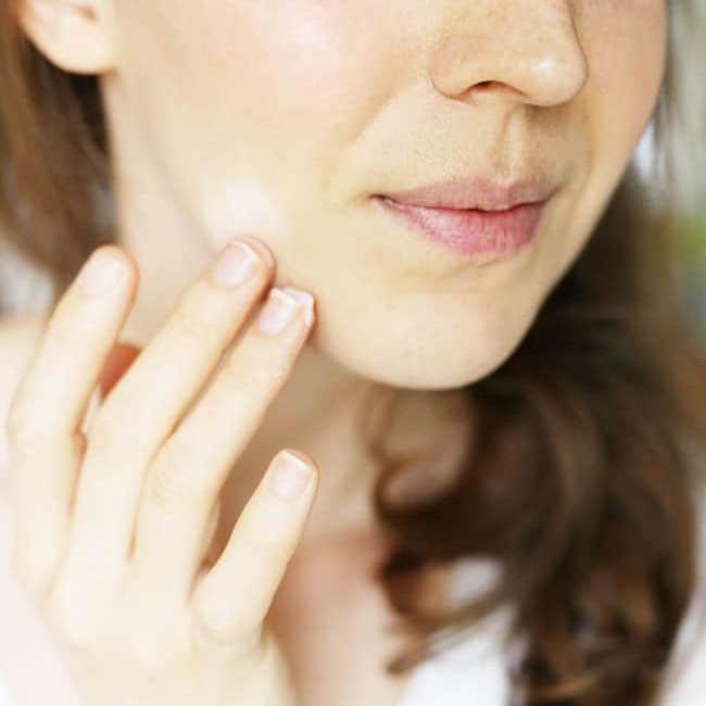 5 cách skincare da mặt sai lầm khiến da xấu hơn