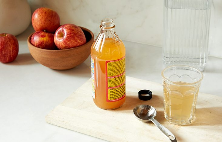 Bạn có tò mò về công dụng của giấm táo đối với cơ thể?
