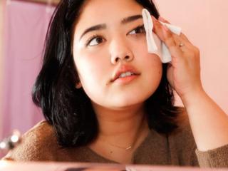 """Tips xoá nhăn vùng mắt nào bạn cần """"vắt túi""""?"""