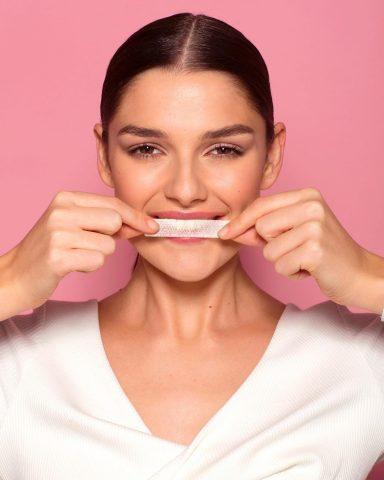 Miếng dán trắng răng cũng có thể làm hại răng bạn đấy!