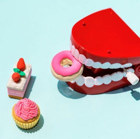 Trắng răng tại nhà? Không có chuyện gì khó, chỉ tại bạn chưa thử mà thôi!